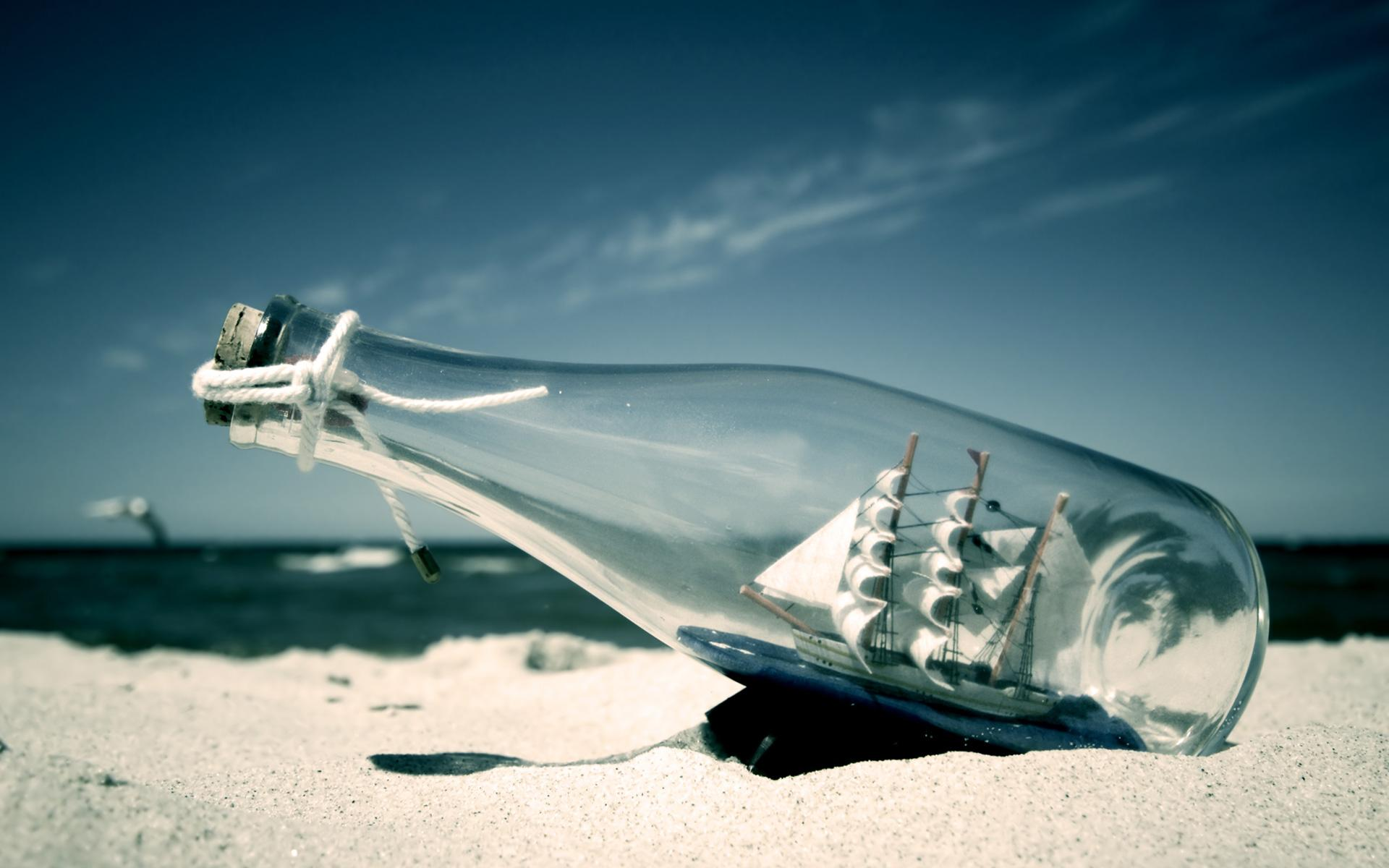 Desktop-HD-Wallpaper-Sailing-boat-in-the-bottle